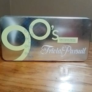 Trivial Pursuit game: 90's Time Capsule Edition